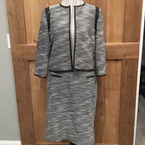 Calvin Klein Skirt Suit Size 12 EUC 2 Pieces